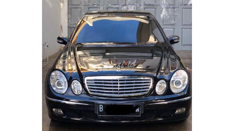 2005 Mercedes Benz E-Class E260 - ISTIMEWA!!!! (preview-0)