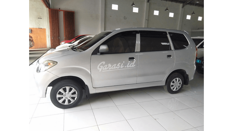 2017 Daihatsu Xenia Li - Kondisi Mulus Tinggal Pakai (preview-0)