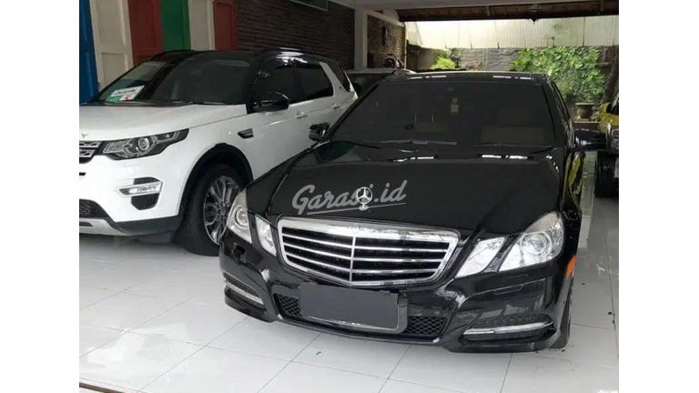 2010 Mercedes Benz E-Class E300 - Kredit Dp Ringan Tersedia (preview-0)