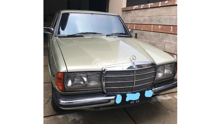 1984 Mercedes Benz C-Class 200 - Antik Mulus Terawat (preview-0)