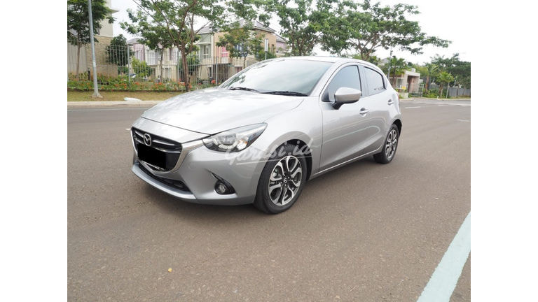 2015 Mazda 2 R Skyactive - Mobil Pilihan (preview-0)