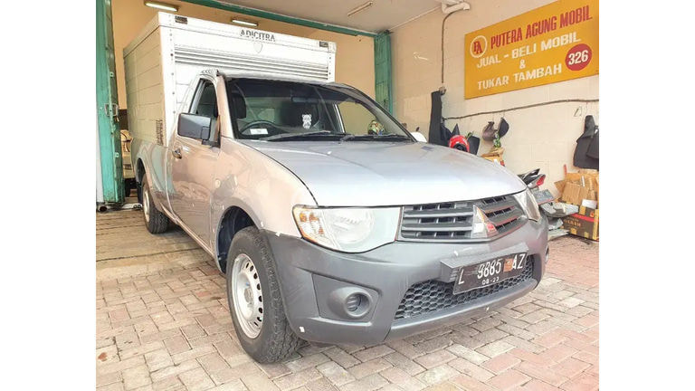 2013 Mitsubishi Strada Triton GLX Box (preview-0)