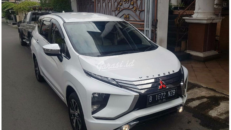 2019 Mitsubishi Xpander Ultimate - Mobil Pilihan (preview-0)