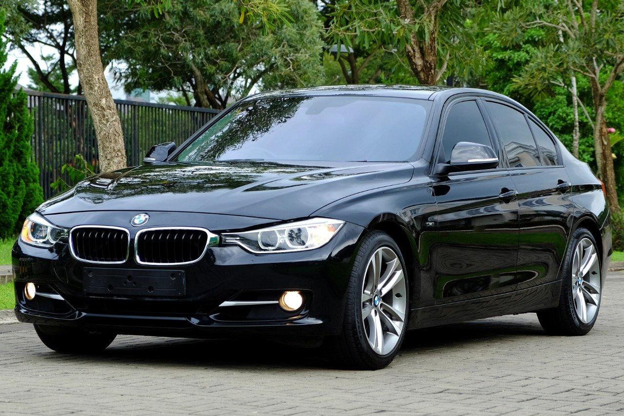 2013 BMW 3 Series 328i - Unit Super Istimewa garansi bebas tabrak banjir (preview-0)