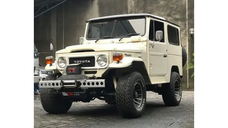 1981 Toyota Land Cruiser FJ40 - Collector Items Tangan pertama A.N Pribadi (preview-0)
