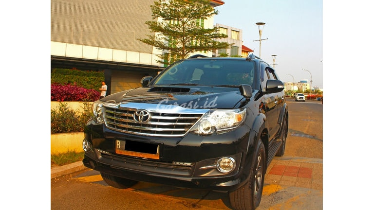 2015 Toyota Fortuner G VNT - ada record service toyota (preview-0)
