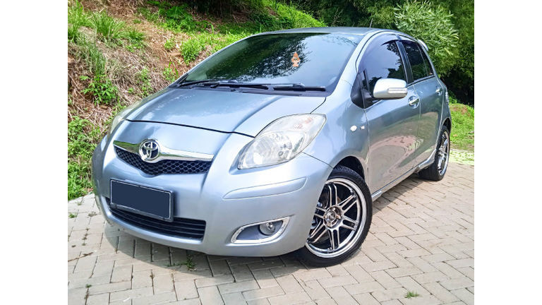 2009 Toyota Yaris E (preview-0)