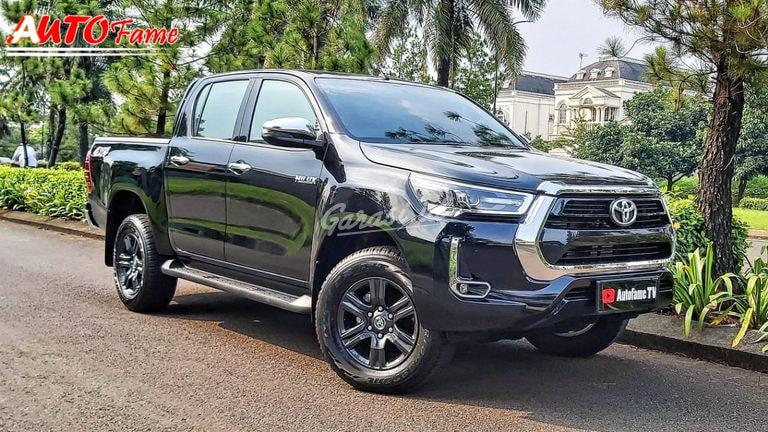 2021 Toyota Hilux - Mobil Pilihan (preview-0)