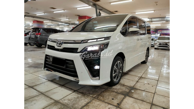 2018 Toyota Voxy New Model (preview-0)
