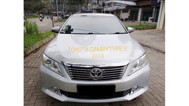 2013 Toyota Camry V - mobil bagus siap pakai (preview-0)