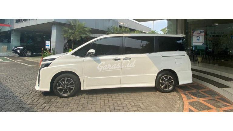 2018 Toyota Voxy 2.0 - Good ConDition Like New Unit Bagus Bukan Bekas Tabrak (preview-0)