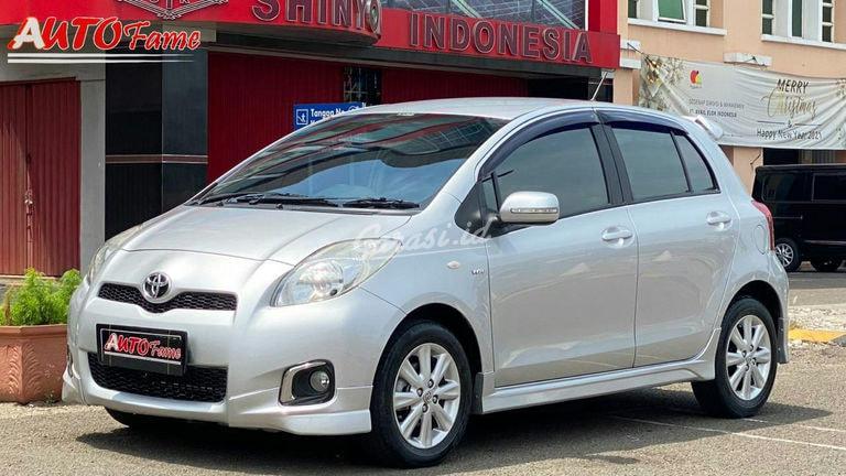 2013 Toyota Yaris E (preview-0)