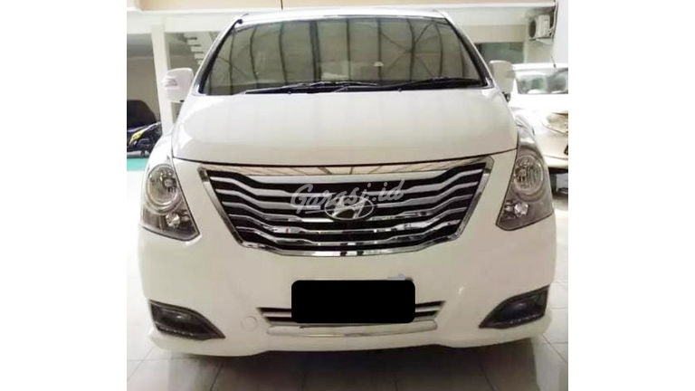 2015 Hyundai H-1 Royale 2.5 - Mobil Pilihan (preview-0)