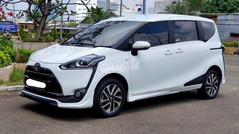 2017 Toyota Sienta Q - Mobil Pilihan (preview-0)