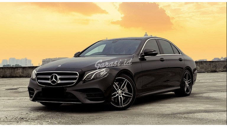 2017 Mercedes Benz E-Class AMG Line - Mobil Pilihan (preview-0)