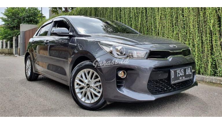 New Vehicles 2017 >> Jual Mobil Bekas 2017 Kia Rio All New Sunroof Kota Bandung