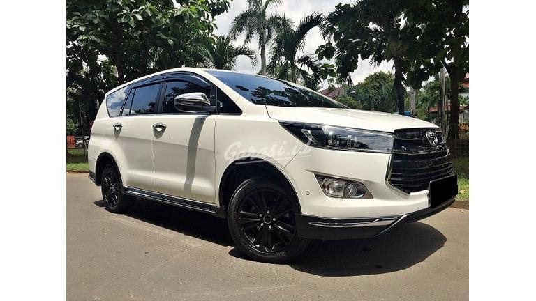 2018 Toyota Kijang Innova Venturer Diesel - Mobil Pilihan (preview-0)