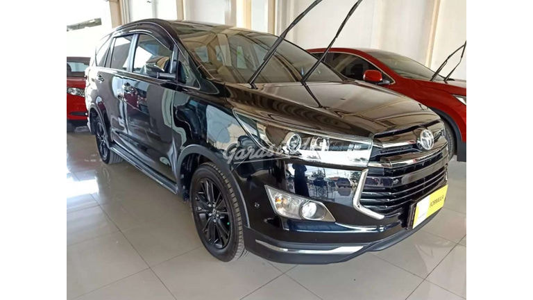 2019 Toyota Kijang Innova Venturer Q - Siap Pakai (preview-0)