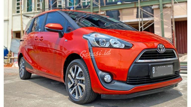 2017 Toyota Sienta V - Mobil Pilihan (preview-0)