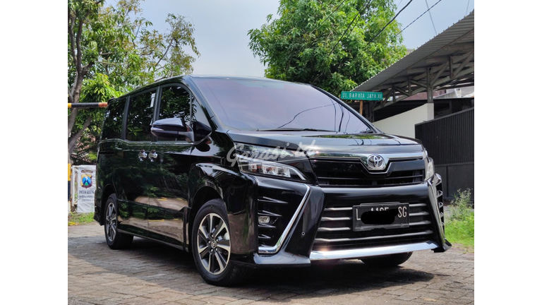 2019 Toyota Voxy 2.0 (preview-0)