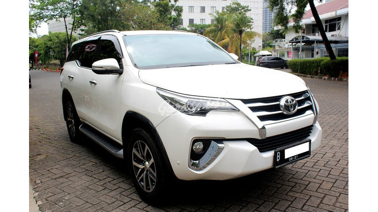 2016 Toyota Fortuner VRZ - Favorit Dan Istimewa siap pakai (preview-0)