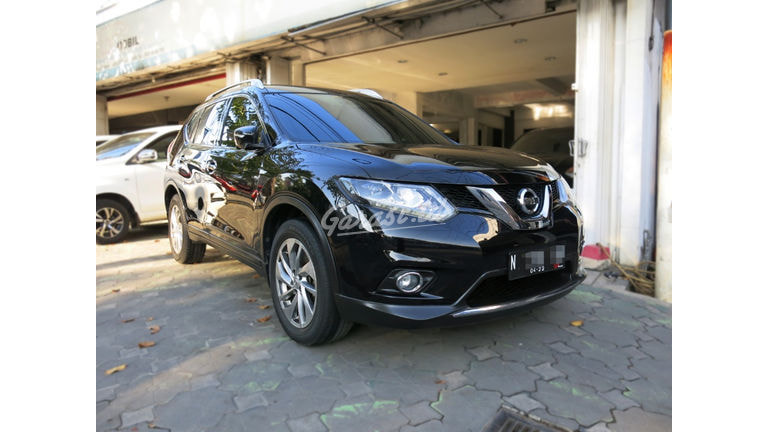 2015 Nissan X-Trail 2.5 - Mobil Pilihan (preview-0)