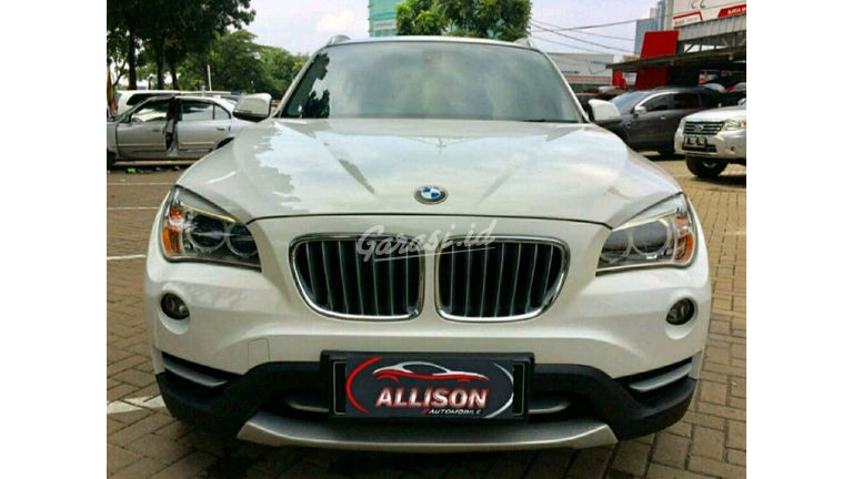 2014 BMW X1 sDRIVE AT - istimewa (preview-0)