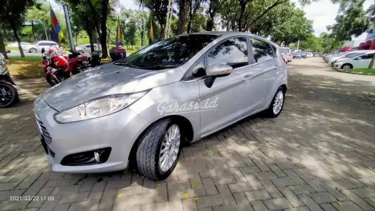 2014 Ford Fiesta S (preview-0)