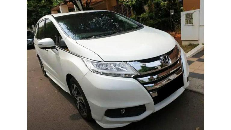 2015 Honda Odyssey Prestige - Mobil Pilihan (preview-0)
