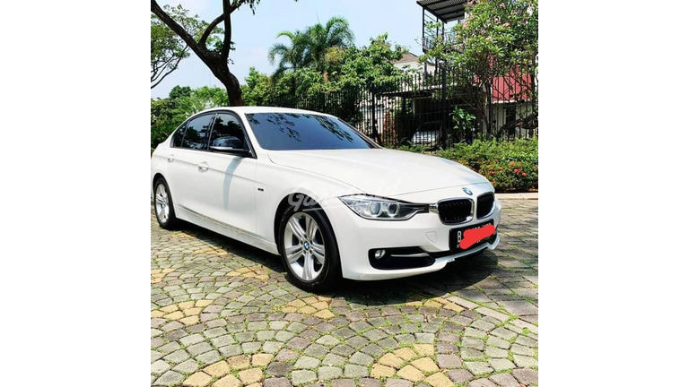 2013 BMW 3 Series 320i (preview-0)