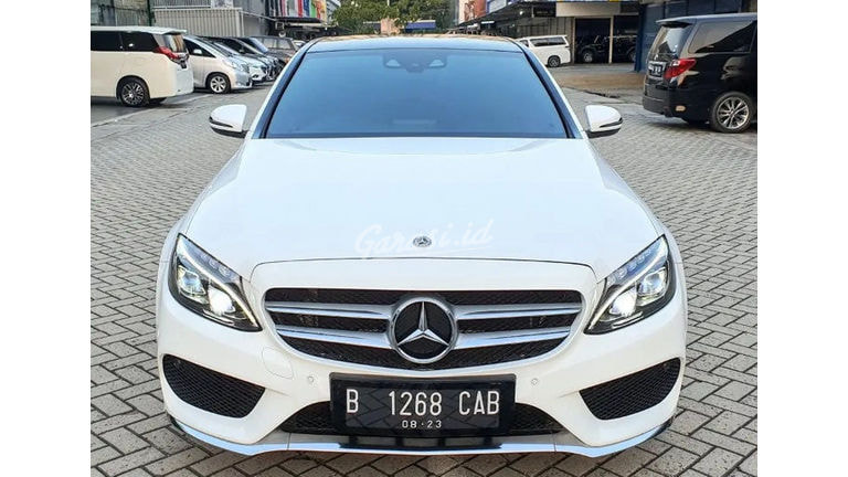 2018 Mercedes Benz C-Class C300 - Mobil Pilihan (preview-0)
