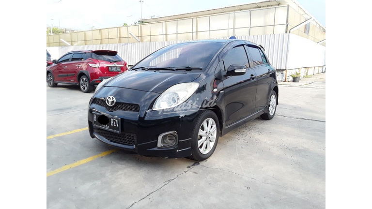 2012 Toyota Yaris E (preview-0)