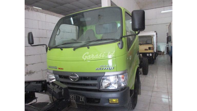 2011 Hino Dutro 300 110 SD - Siap Pakai (preview-0)
