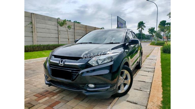 2017 Honda HR-V E CVT - Mobil Pilihan (preview-0)