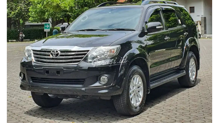 2012 Toyota Fortuner G (preview-0)