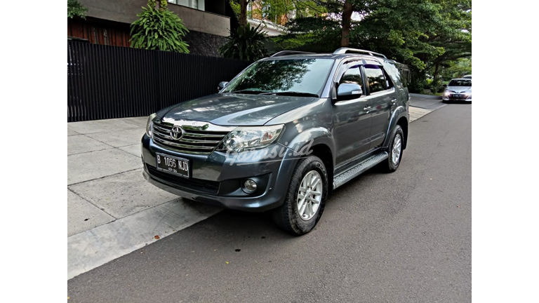 2013 Toyota Fortuner G Luxury - Like New Tdp Rendah (preview-0)