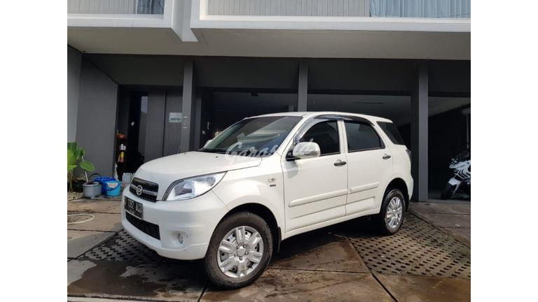 2014 Daihatsu Terios TS Extra - Kondisi Terawat Siap Pakai (preview-0)