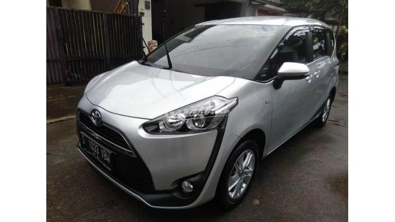 2019 Toyota Sienta G - Mobil Pilihan (preview-0)