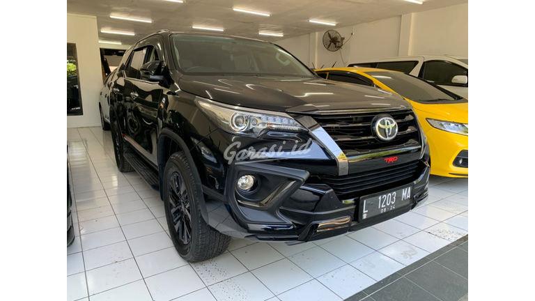 2019 Toyota Fortuner VRZ TRD - Nego Barang Bagus Siap Pakai (preview-0)