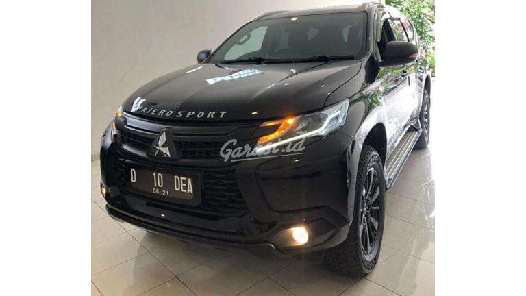 2016 Mitsubishi Pajero Sport Dakar - Mobil Pilihan (preview-0)
