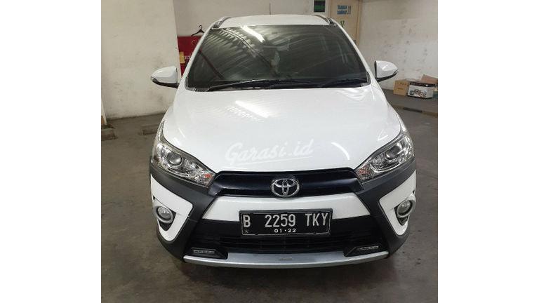 2017 Toyota Yaris heykers - Mobil Pilihan (preview-0)