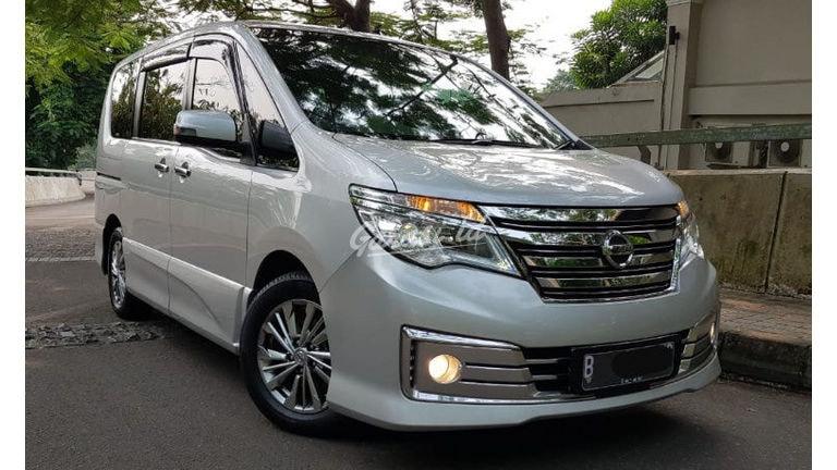 2015 Nissan Serena Hws autech panoramik - Mobil Pilihan (preview-0)