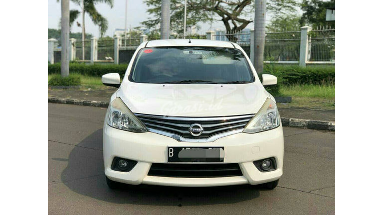 2013 Nissan Livina xv - Good Condition Like New (preview-0)