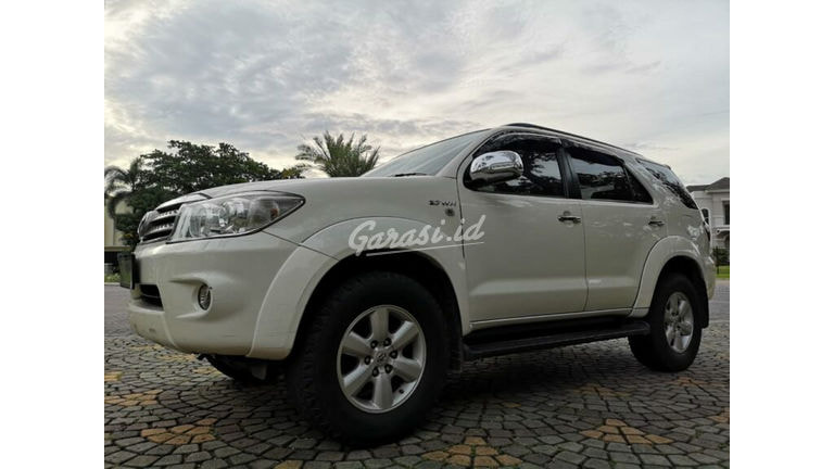 2010 Toyota Fortuner G Luxury - Barang Mulus Terawat Bos (preview-0)
