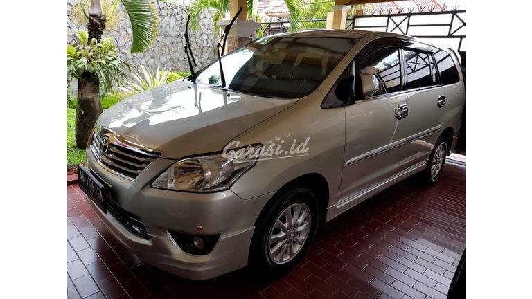 2013 Toyota Kijang Innova V (preview-0)