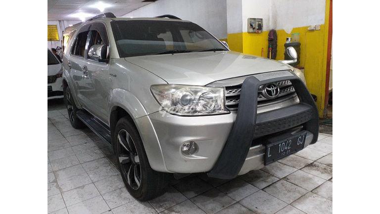 2009 Toyota Fortuner G - Sangat Istimewa Seperti Baru (preview-0)