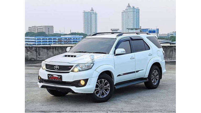 2014 Toyota Fortuner G 2.5 TRD VNT Turbo - Service Record (preview-0)