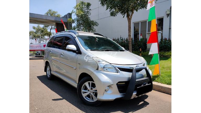 2013 Toyota Avanza Veloz - KM Rendah (preview-0)
