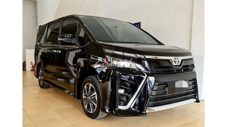 2018 Toyota Voxy 2.0 - Like New (preview-0)