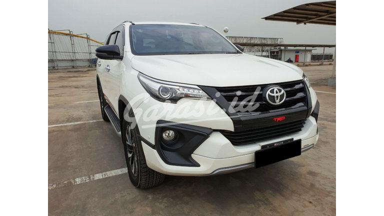 2018 Toyota Fortuner TRD Sportivo Diesel  AT - Mobil Pilihan (preview-0)